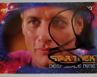 """Vintage 1993 Autographed Star Trek Deep Space Nine """"Q"""" Trading Card in Excellent Condition"""