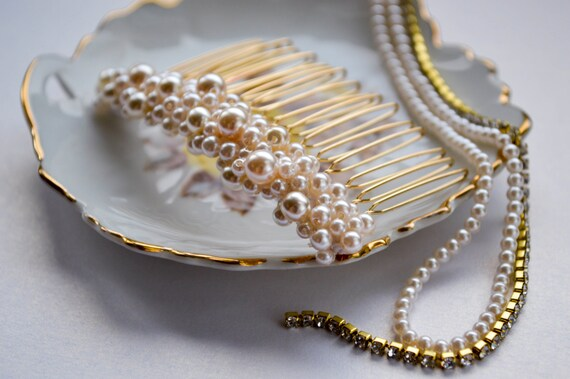 Pearl Hair Comb, Ivory-Cream Pearls, Bridal/ Vintage / Pinup style Jewelry, Wedding Hair Accessories,