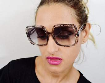 Vintage Women's Oversize Sunglasses - See our huge collection of vintage eyewear