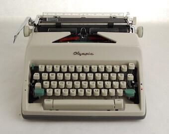 Cursive Typewriter Olympia SM9, Script Font