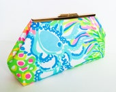 Lovers Coral Clutch