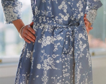 Vienne. Ready-made. Cotton knee length kimono robe or dressing gown. Bridal robe. Bridesmaids robes. Unlined.