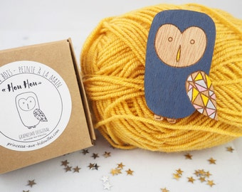 Wooden brooch Owl. Hand Painted. Illustred by Princesse aux bidouilles. Laser cut. Pin.