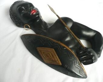 African tribal chalkware - vintage chalkware plaque - African plaster plaque - kitsch 1950s chalkware plaque - retro African warrior