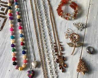 Vintage Jewelry Lot, Necklace Bracelet Brooch Set Destash, Altered Art Supplies, Pieces Lot, Broken for Crafting