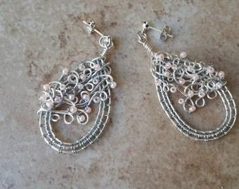 Teardrop wire earrings