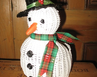 Wicker, snowman snow basket.