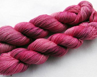 Merino Yarn handpainted Knitting Yarn, 100 % Wool  superwash 100g 3.5 oz.Nr. M 158