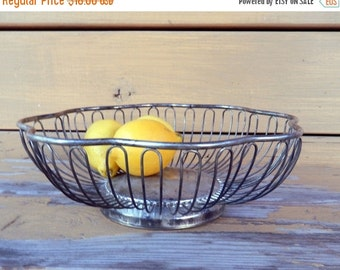 ON SALE Vintage Silver Plate Wire Bread / Fruit Basket