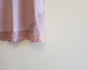 Slip skirt ROSE QUARTZ Pantone color of the Year lace vintage pinup lingerie S