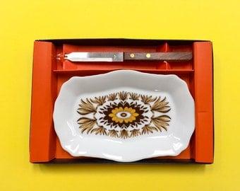 Westminster Australia 'Santiago' porcelain serving platter w/ knife (c. 1970-77)