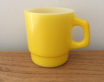 Vintage  Anchor Hocking Yellow Milk Glass Mug