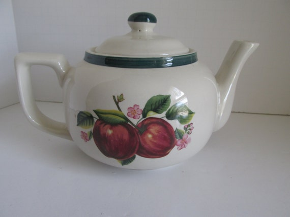 Apple teapot apple pattern kitchen decor apple kitchen decor for Apple kitchen decoration set