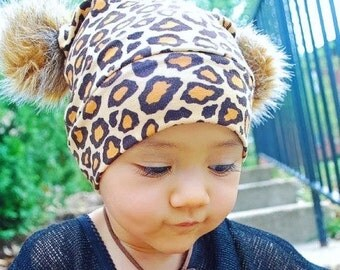 Beanie Fur Pom Pom in Brown Leopard