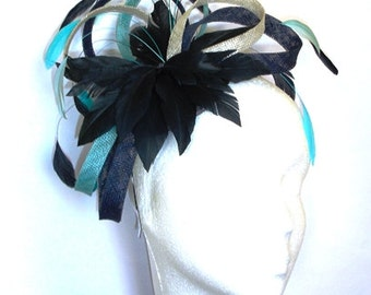 Fascinator, headpiece with sinamay loops, feathers and crystals