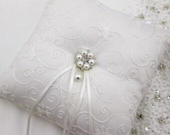Pearl Ring Bearer Pillow , Ring Bearer Pillow , Ivory or White Ring Bearer Pillow , Wedding Pillow