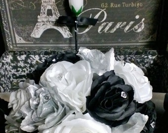 Silver Black White Rose Wedding Bouquet with matching Boutonniere, Silver Black Bridal Bouquet, Rose Silver Black Bouquet, Silver Bouquet