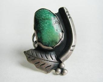Vintage Turquoise Ring. Leaf, Stem design –  size 8.