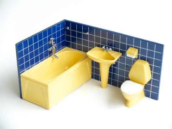 Salle de bain pour maison de poup e lundby par lestrictmaximum - Salle de bain annee 70 ...