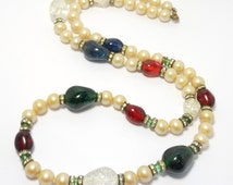 Beautiful Gripoix Glass Simulated Pearls Necklace Deco