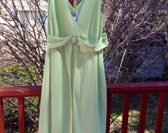 Elegant Evening Formal Gown Chiffon/Crepe Spring Green Waltz 24W