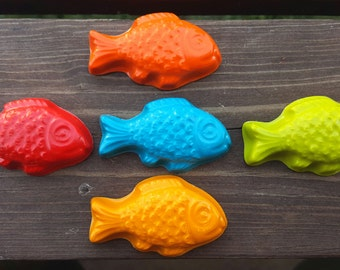 Fish crayons set of 10 - party favors