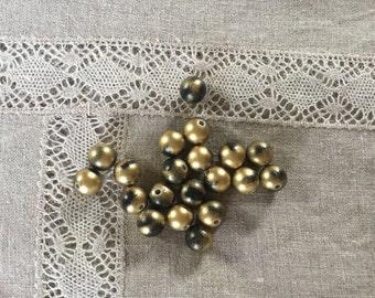 20 Pcs. Beautiful Black/Matte Gold Acrylic Beads 10 mm