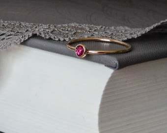 Rose cut, Ruby ring, 9ct gold