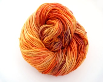 Super Squishy Worsted Superwash Merino Hand Dyed 100 g / 218 yds- Solar Flare *Dyed to Order