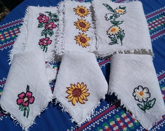 3 Linen Placemats and Napkins Rustic White French Woven Linen Floral Hand Embroidered Sewing projects #sophieladydeparis