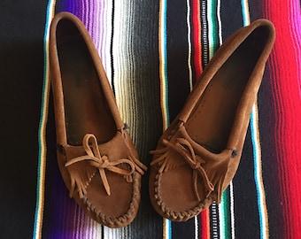 Women's Minnetonka Leather Moccasins Slippers// Women's Size 9