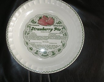 STRAWBERRY PIE Deep Dish Microwave Recipe Pan Baking Dish by Royal China Co. Ceramic Pie Baker Plate