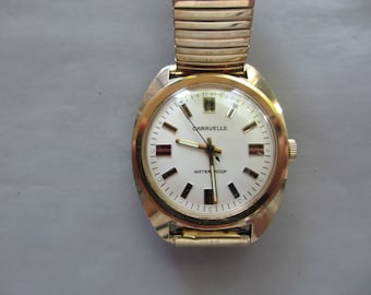 Classic Caravelle by Bulova Mechanical Wind Up Watch 40mm 1979
