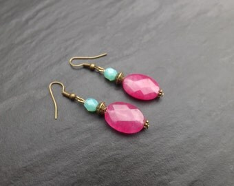 """Earrings """"Mathilda"""" composed of fuchsia and green lagoon Crystal agate beads"""