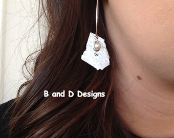 Silver Georgia dangle earrings with pearl accent