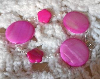 Pink Dyed Shell Bracelet (I 602)
