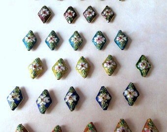 Lot of 29 Cloisonne Beads, 21 x 14 mm, 6 different very nice Colors