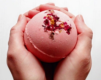 Romantic Gift, Hot Kiss Bath Bomb, Fizzy Bath Ball, Pretty Bathbomb, Pink Bath Fizz, Gift For Girlfriend, Gift For Wife, Gift For Teen, Big