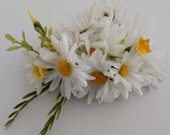 Flower hair piece, flower hair clip, flower hair accessories, hair flower, daisy hair clip, silk flower hair clip, daisy hair piece