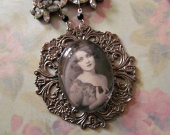 "Jazz Age Lovely ""Marion Benda"" Cabachon Art Nouveau Style Necklace"