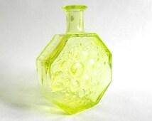 Nanny Still Riihimaen  octagonal Polaris vase uranium glass. Scandinavian modernist Noric design