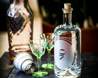 Gin- The Constance Single bottle-Etched Glass Spirit Decanters-Gift for any home bar / bar cart enthusiast in your life. Art Deco Style