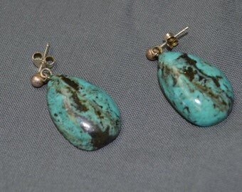 Lovely Vintage Southwestern Turquoise and Silver Earrings
