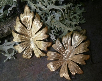 Raw Brass Stamping Tropical Leaf Medium Pair