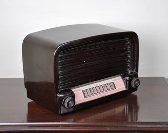 Antique 1948 GE Radio Model 102 Plays And Looks Great.  FREE Shipping!