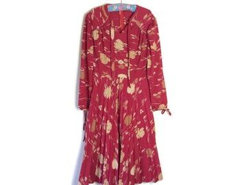 Red boho 70s dress // vintage crimson and gold winter dress // pleated skirt dress // 70s disco dress // bohemain hippie dress