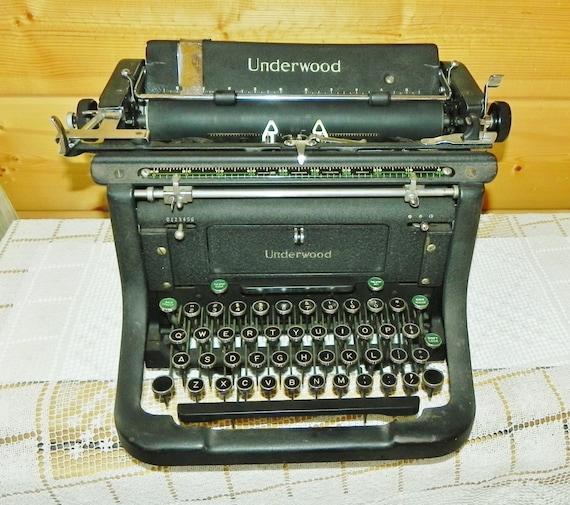 machine crire champion de ma tre underwood 1939 new york. Black Bedroom Furniture Sets. Home Design Ideas