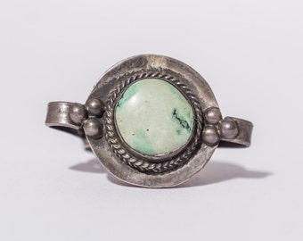 Vintage Southwest Native American Green Turquoise & Sterling silver Ring Size 8