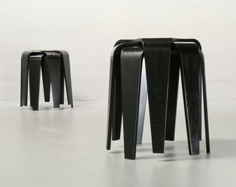 Arne Jacobsen, Chair 3107, Fritz Hansen black, Stacking Chair, produced 1997 good condition vintage