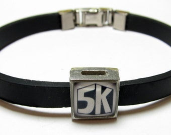 5K 3.1 Mile Run Link With Choice Of Colored Band Charm Bracelet